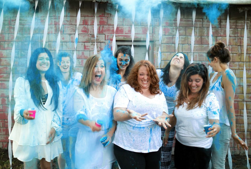 Throwing blue color powder