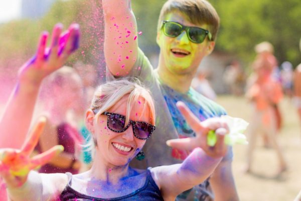 how to put on a color fun run