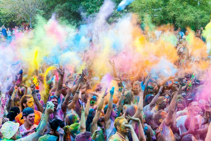 what is color run powder made of